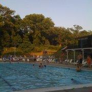 Hunting hills swim club piscines 300 nottingham rd for Club piscine hunt club