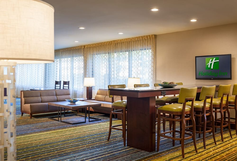 Holiday Inn Hartford Downtown Area: 100 East River Drive, East Hartford, CT