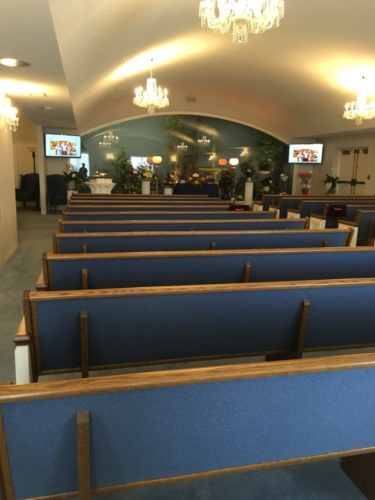 Colonial Chapel Funeral Home: 5200 R St, Lincoln, NE