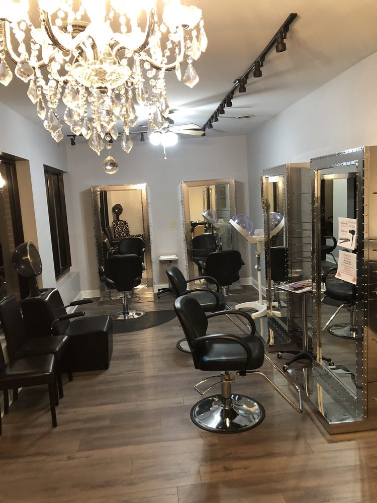 Salon Bella Dona: 4156 Bristol Hwy, Johnson City, TN