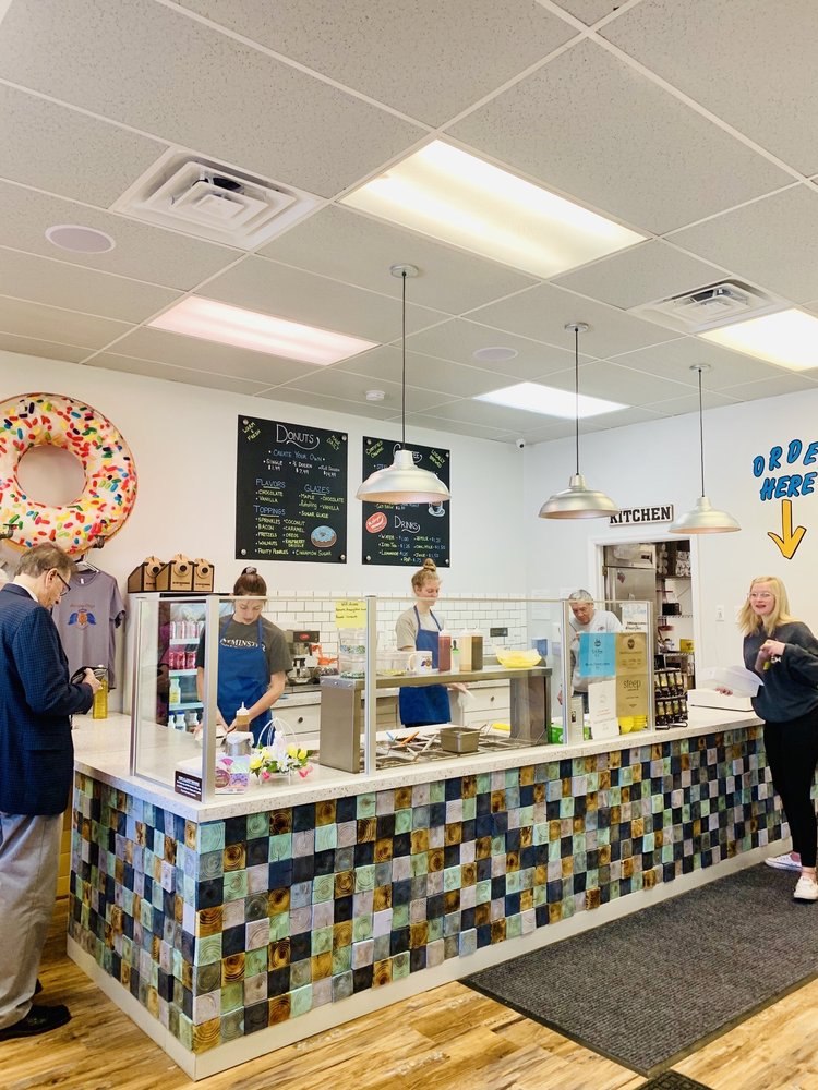 Amazing Glaze Donut Company: 4988 Middle Rd, Hampton Township, PA