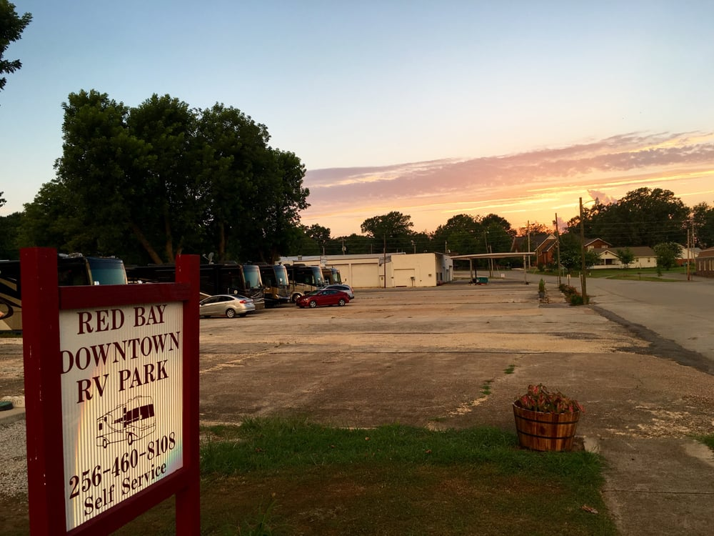 Red Bay Downtown RV Park: 254 5th Ave SW, Red Bay, AL