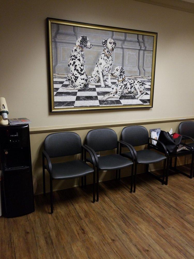 Animal Emergency Center of Sandy Springs: 228 Sandy Springs Pl NE, Atlanta, GA