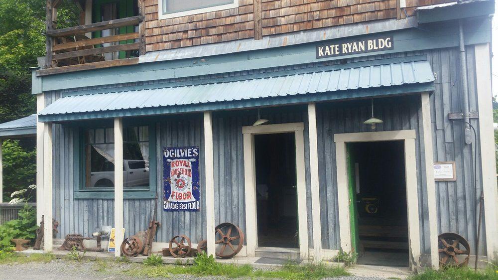 Ripley Creek Inn: 306 5th Ave, Stewart, BC