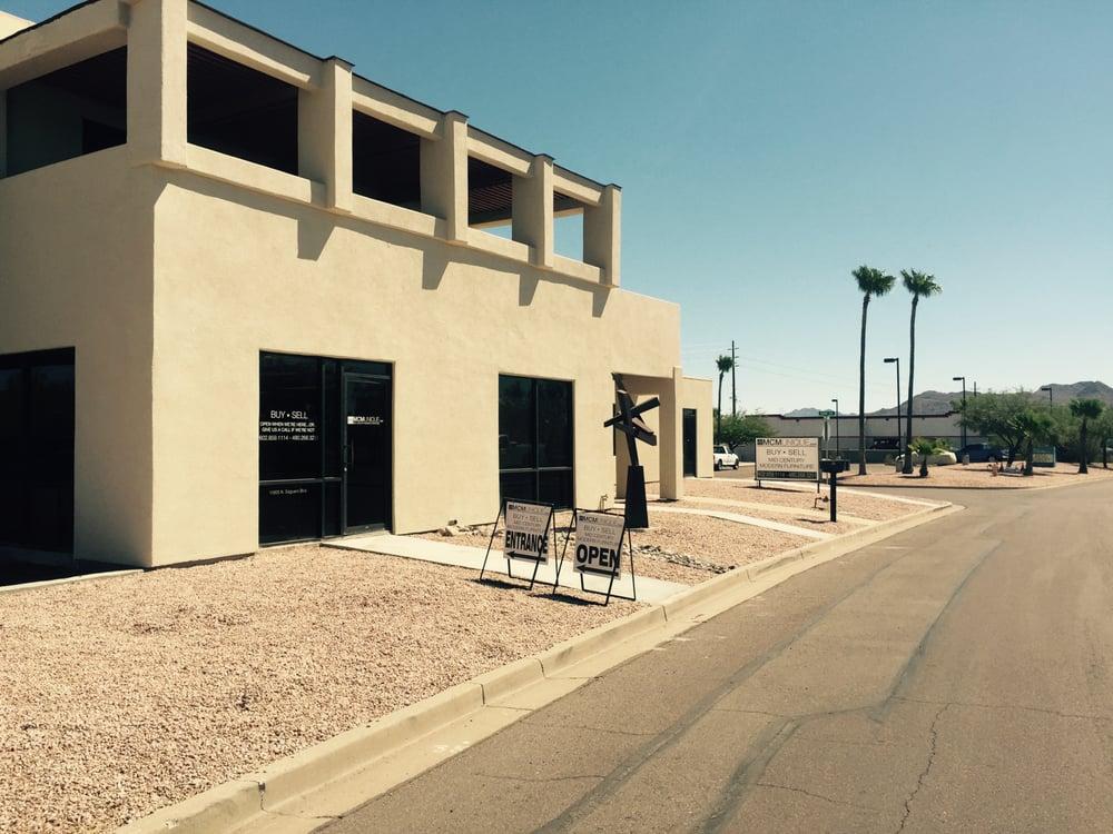 Mcmunique Furniture Stores N Saguaro Blvd