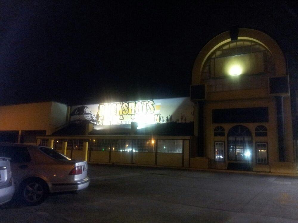 Buckshots Saloon: 551 N Expy, Griffin, GA