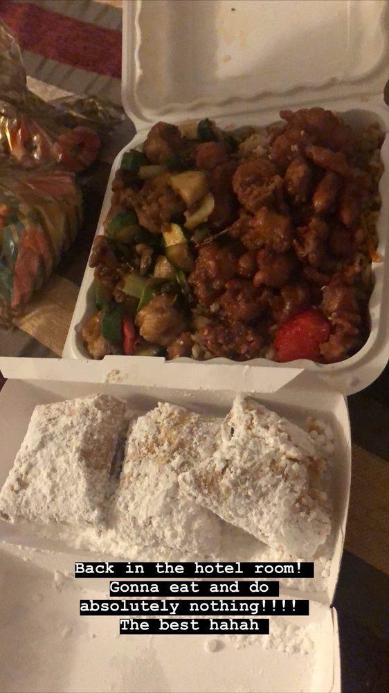 Mrs T's Chinese Kitchen & Avalon Bakeshop: 122 Catalina Ave, Avalon, CA