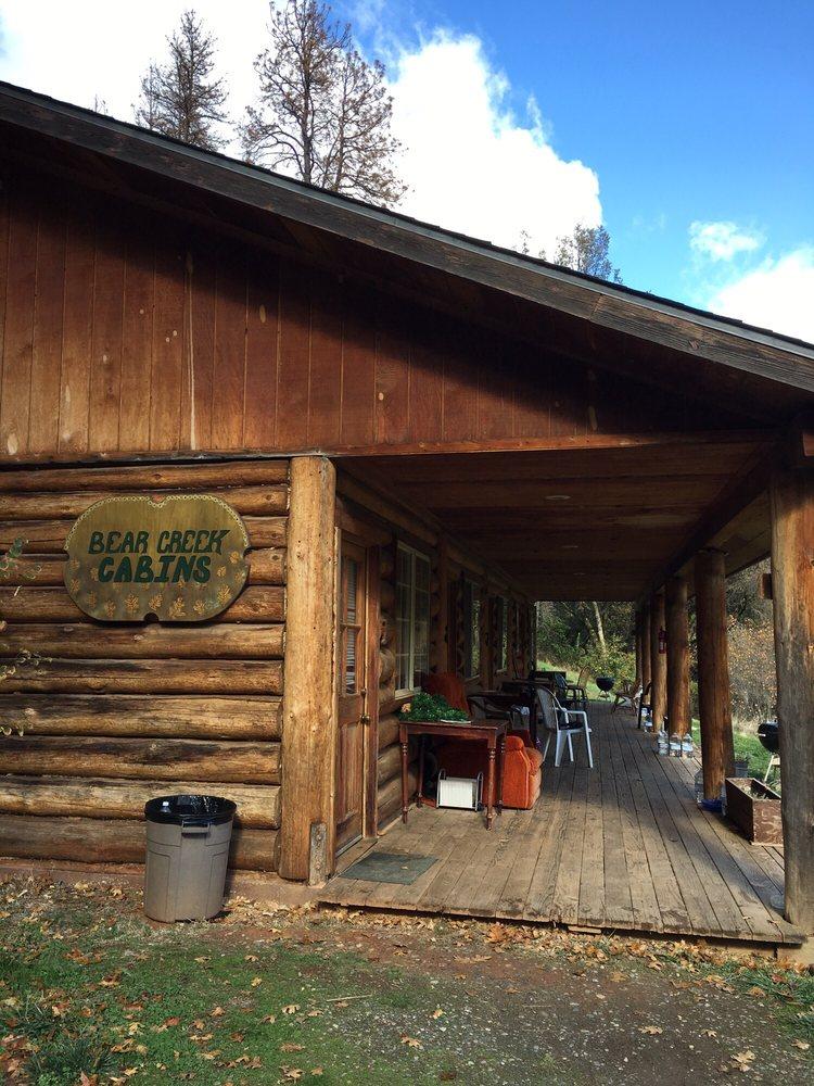 Bear Creek Cabins: 6993 Highway 140, Midpines, CA