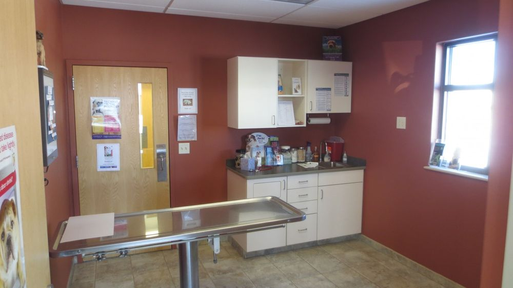 Marshfield Veterinary Services: 112244 Mann St, Marshfield, WI
