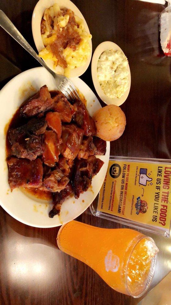 This Is It! BBQ & Seafood: 3620 Camp Creek Pkwy, Atlanta, GA