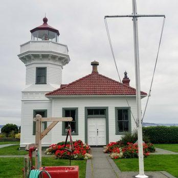 Mukilteo Light Station and Lighthouse Park - 130 Photos & 35