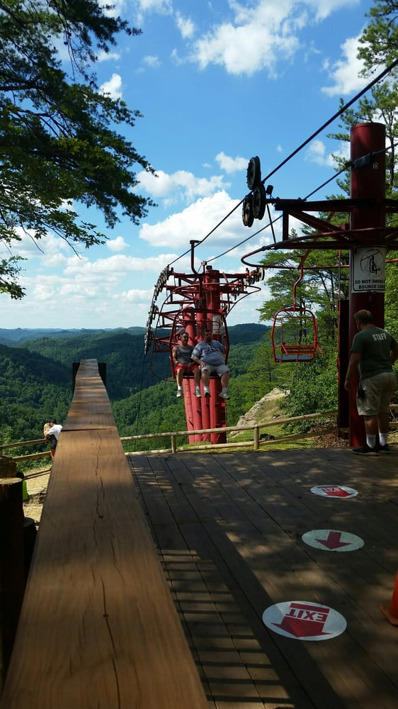 Natural Bridge Sky Lift & Giftshop: 2135 Natural Bridge Rd, Slade, KY