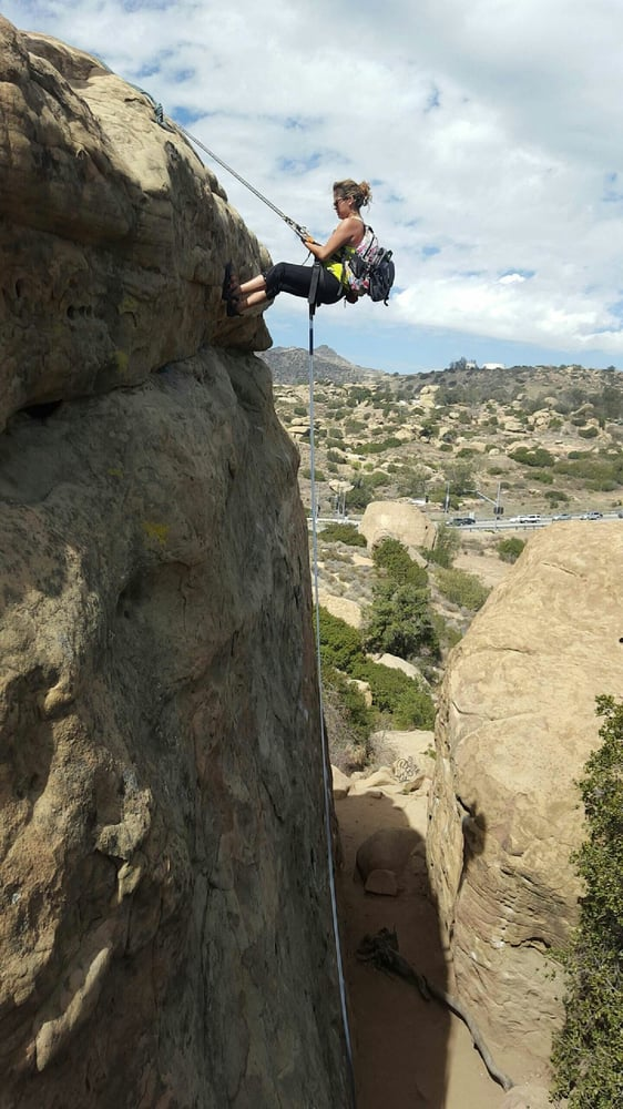 rappelling, rappel, learn to rappel, climbing, rock climbing, los angeles, california