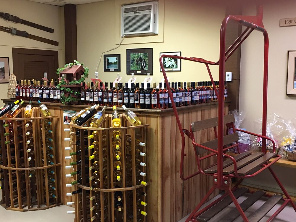 White Mountain Winery: 2724 White Mountain Hwy, North Conway, NH
