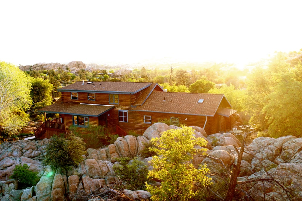 Log Cabin Bed & Breakfast: 3155 N State Rte 89, Prescott, AZ