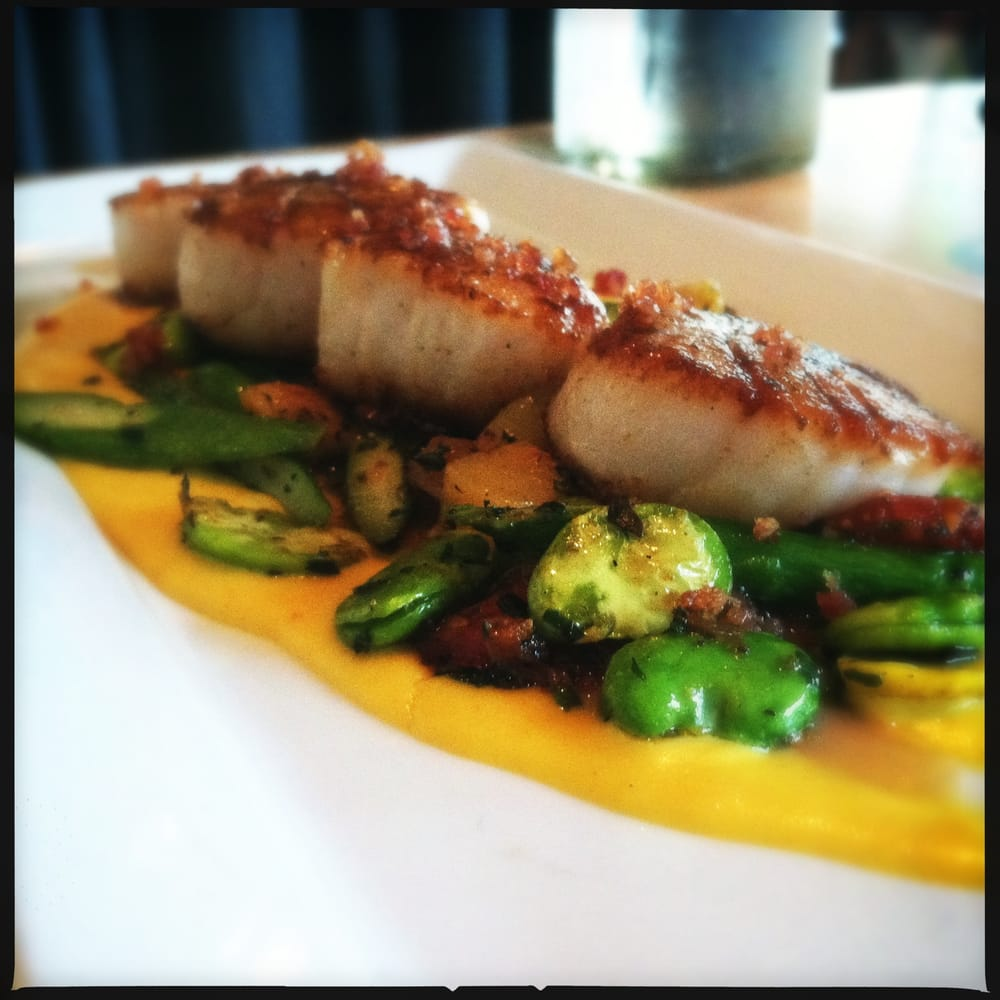Seed Kitchen And Bar: Seed's Scallops With Bacon Dust Over Sweet Corn Puree