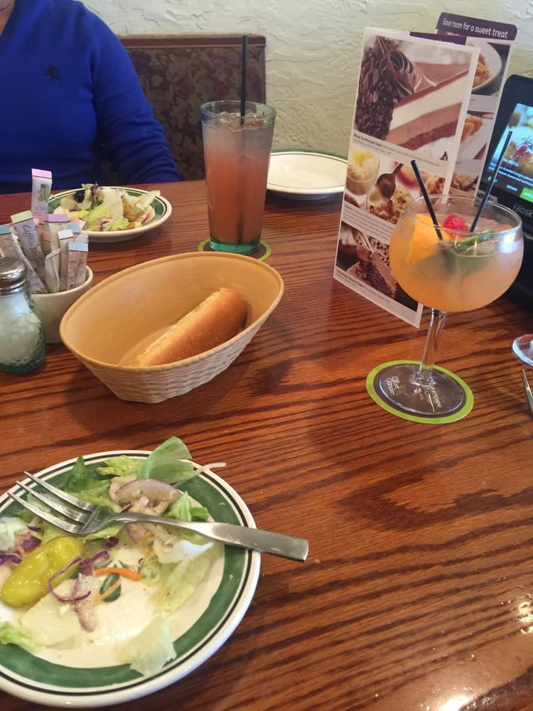 Photo Of Olive Garden Italian Restaurant   Springfield, NJ, United States.  Bread,