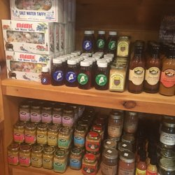 Judis country store arts crafts 596 rt 1 wiscasset for Arts and crafts stores near me