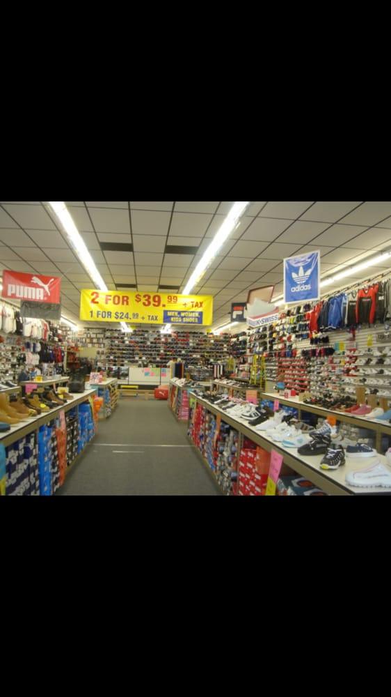 Shoe Hut: 4281 Maine Ave, Baldwin Park, CA