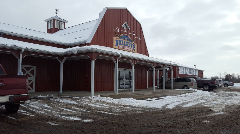 Bullseye Marketplace: 350 Johnnycake Ln, Three Rivers, MI