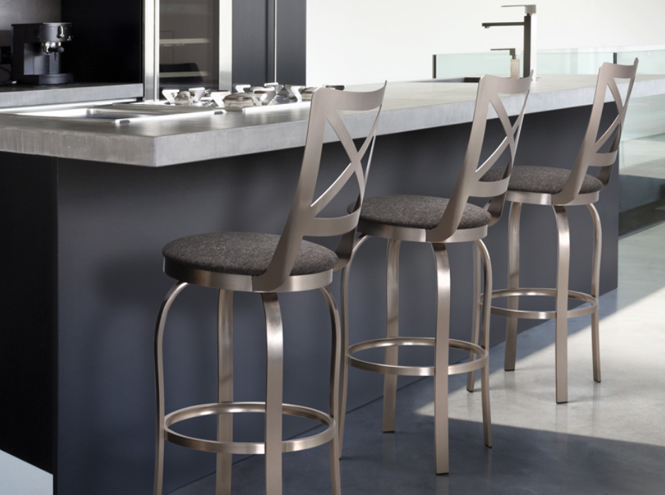 Contemporary Canadian Metal Swivel Stools Bar Or Counter