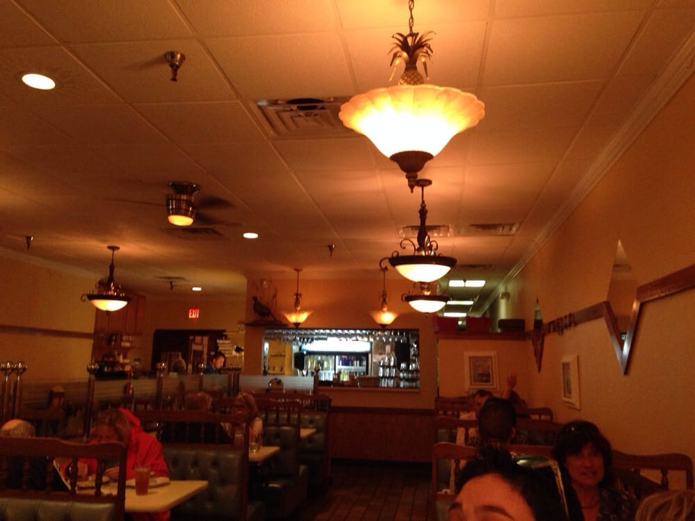 Photo Of Primo Family Restaurant Alexandria Va United States Bar Area
