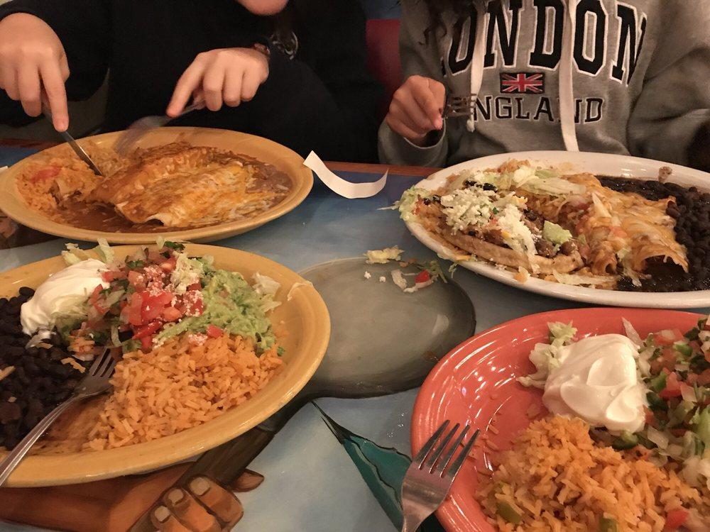 Mi Pueblo Mexican Restaurant: 10543 SE Fuller Rd, Portland, OR
