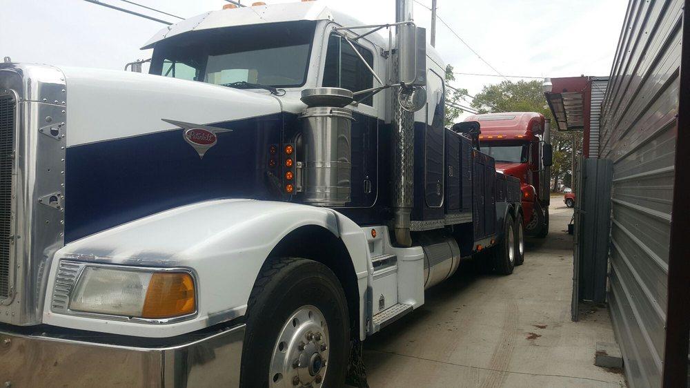 C & C Towing & Auto Sales: Lumberton, NC