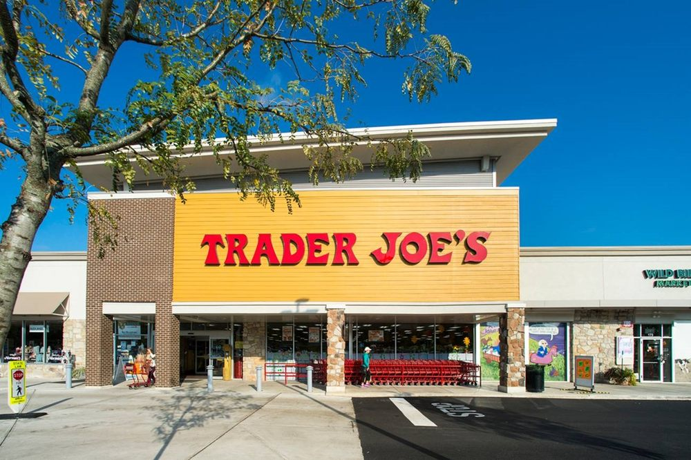 Gateway Shopping Center: 100 Gtwy Ctr,125 Swedesford, Wayne, PA
