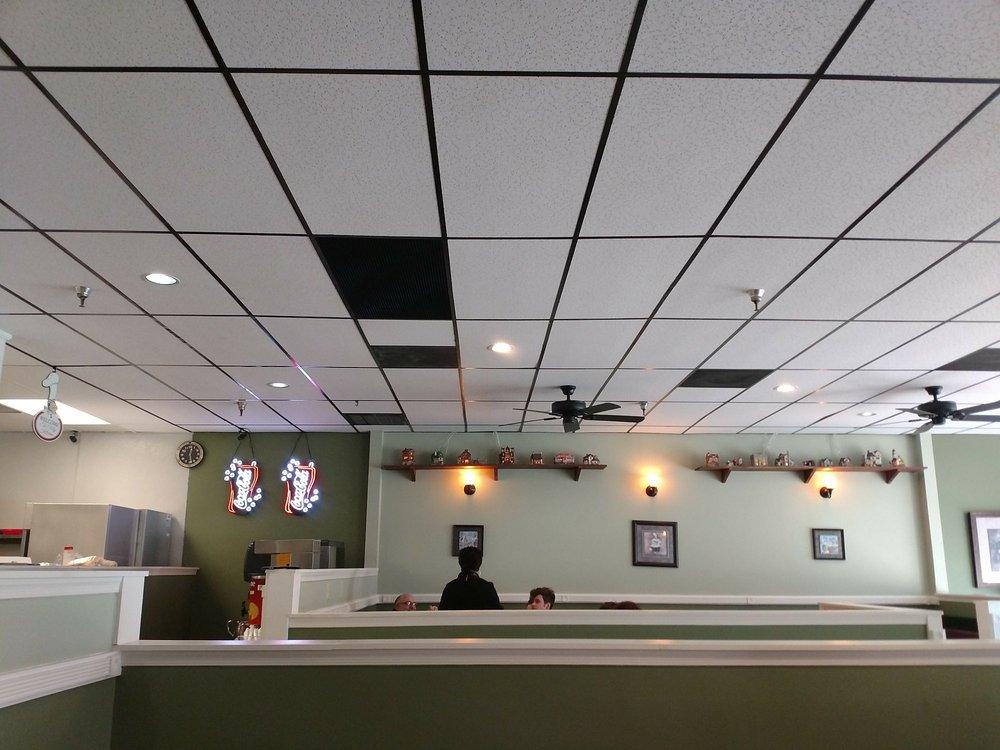 Jordana's Pizzeria and Ristorante: 309 S Walton Dr, Benson, NC