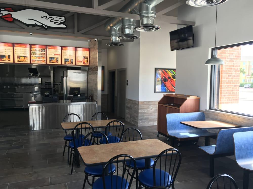 Chicken Express: 1700 US 181, Portland, TX