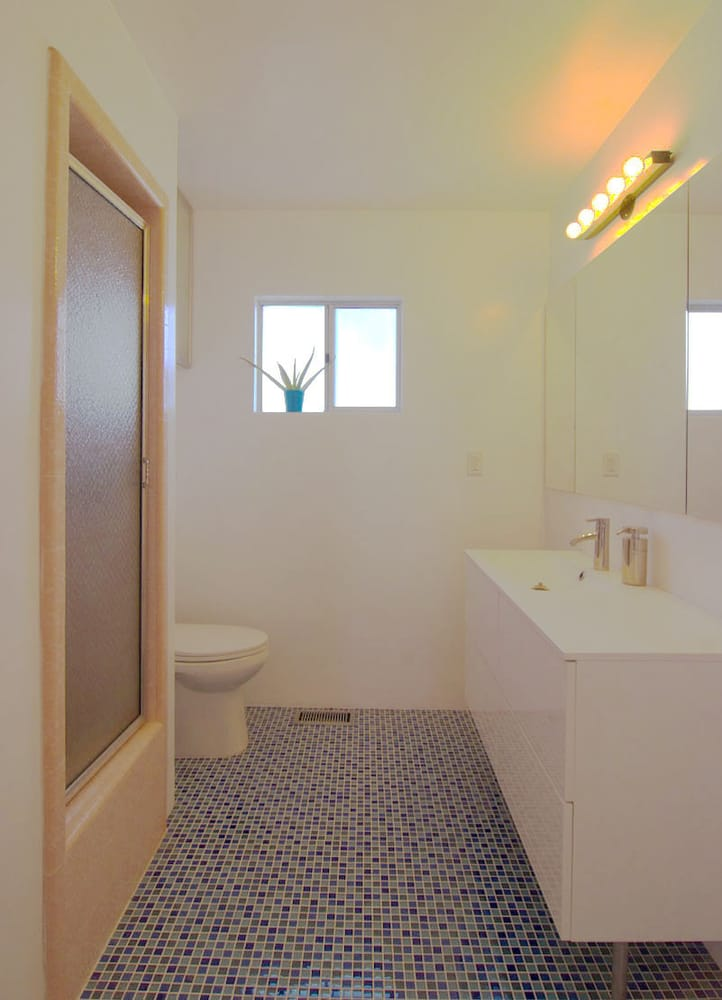 Master Bathroom Newly Remodeled With New Floor Tiles Vanity And