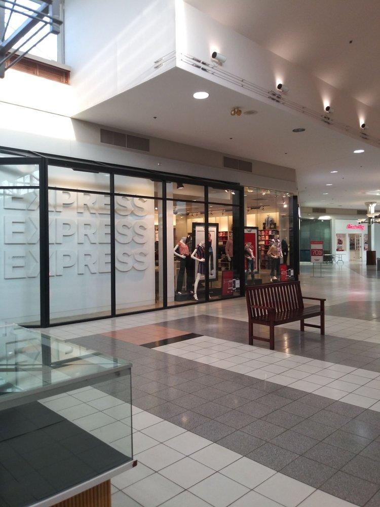 Northfield Square Mall: 1600 N State Rte 50, Bourbonnais, IL