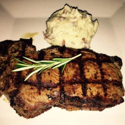 Thoroughbreds Chophouse Seafood Grille