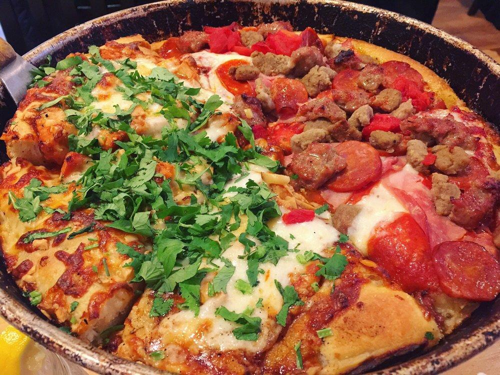Pizz'A Chicago