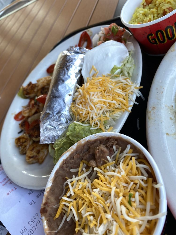 Fuzzy's Taco Shop: 228 E Pleasant Run Rd, DeSoto, TX