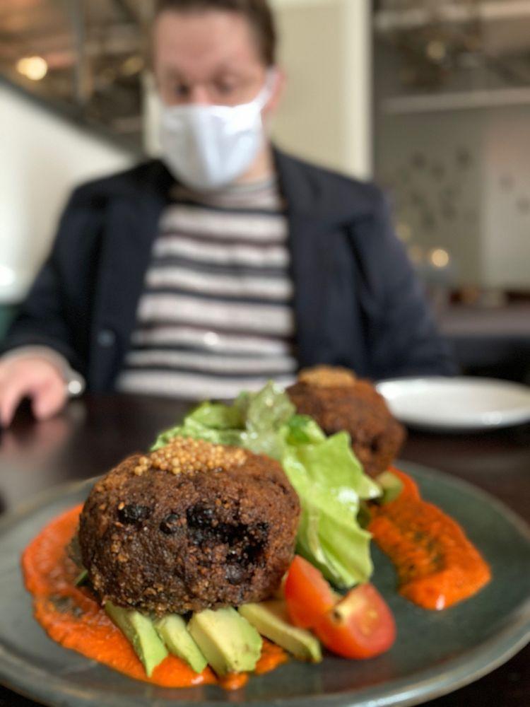 The Blackbird Restaurant: 47 Biltmore Ave, Asheville, NC