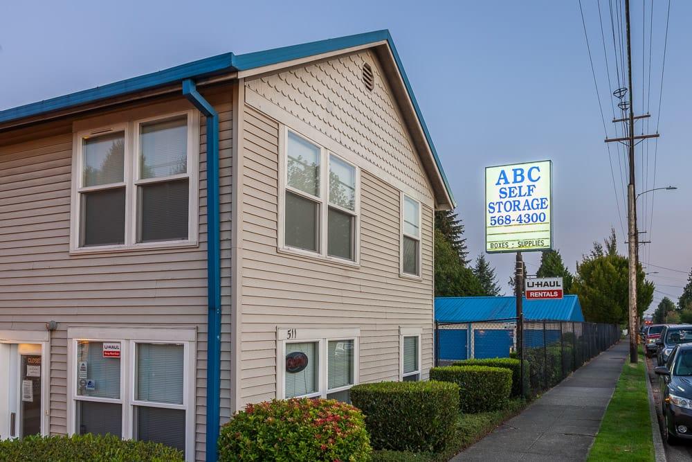 ABC Self Storage - 52 Photos - Storage Facility - 511 Pine ...