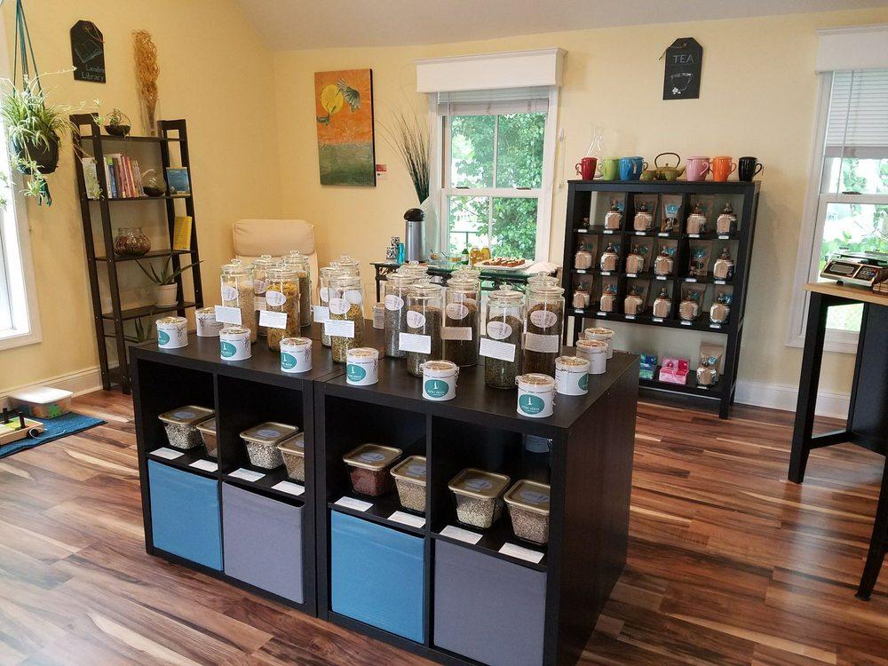 Flying Heron Herbs Spices & Teas: 8383 W Main St, Marshall, VA