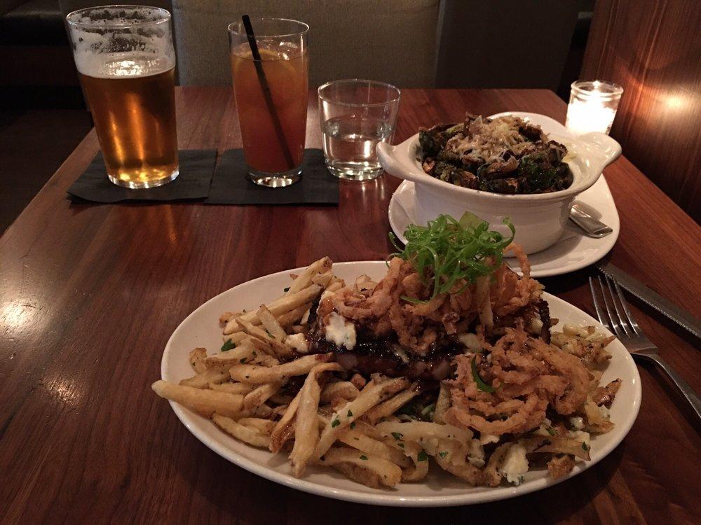 Veneto Bar Ristorante: 1450 Douglas Street, Victoria, BC