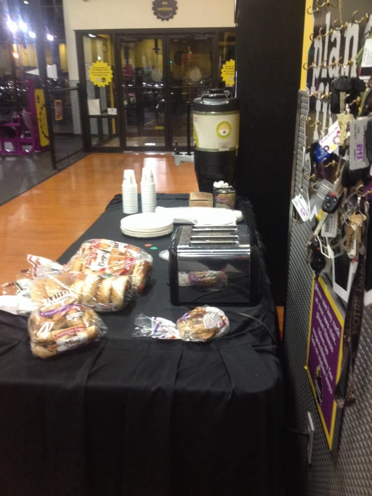 Planet fitness bagel tuesday