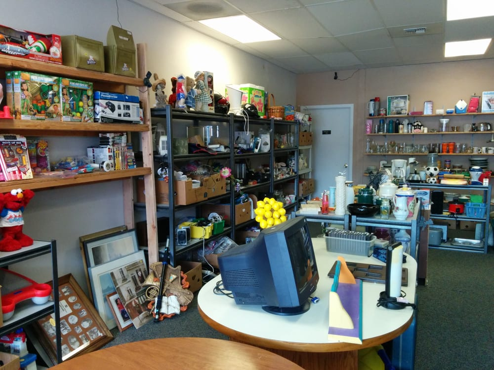 Elma Dollar and Thrift: 315 W Main St, Elma, WA