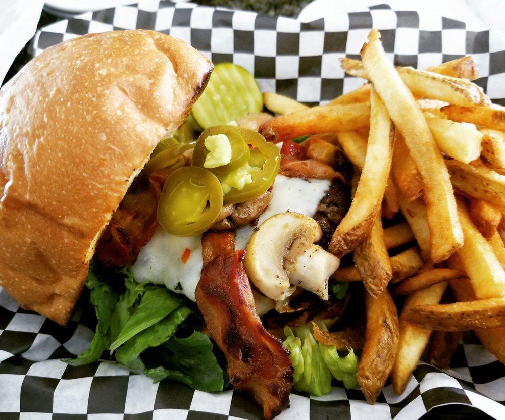 Lakeside Pub and Grill: 4671 S Lake Dr, Cudahy, WI
