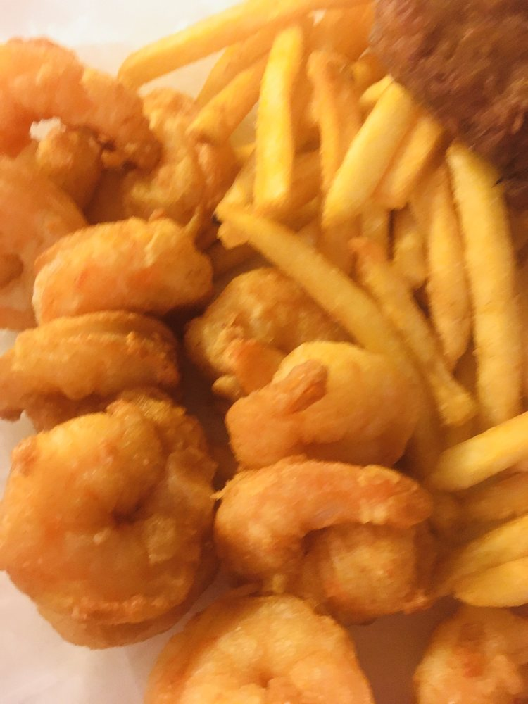 Half Moon Seafood Company: 11508 N 56th St, Temple Terrace, FL