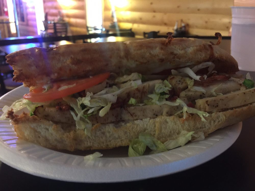 Mancino's Pizza and Grinders: 1011 E Barachel Ln, Greensburg, IN