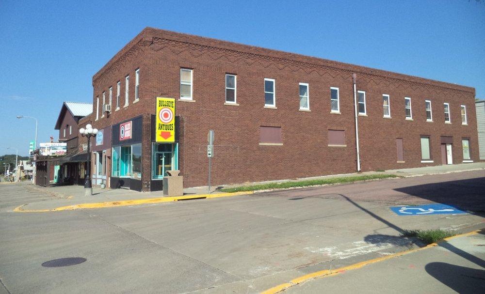 Silver Dollar Bar: 206 N Main St, Chamberlain, SD