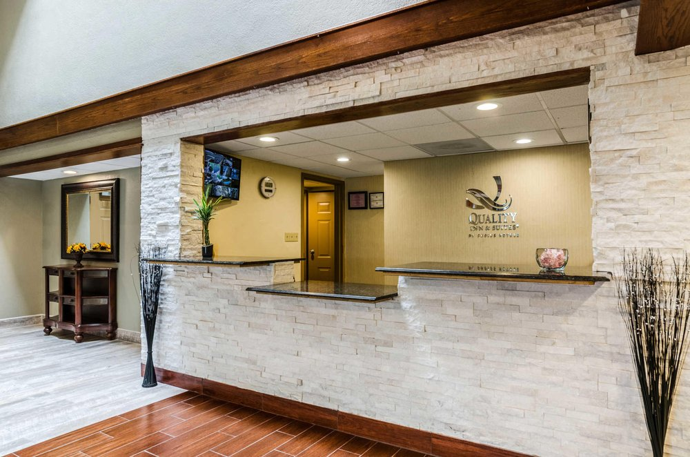 Quality Inn & Suites: 3800 S Pike Rd, Winfield, KS