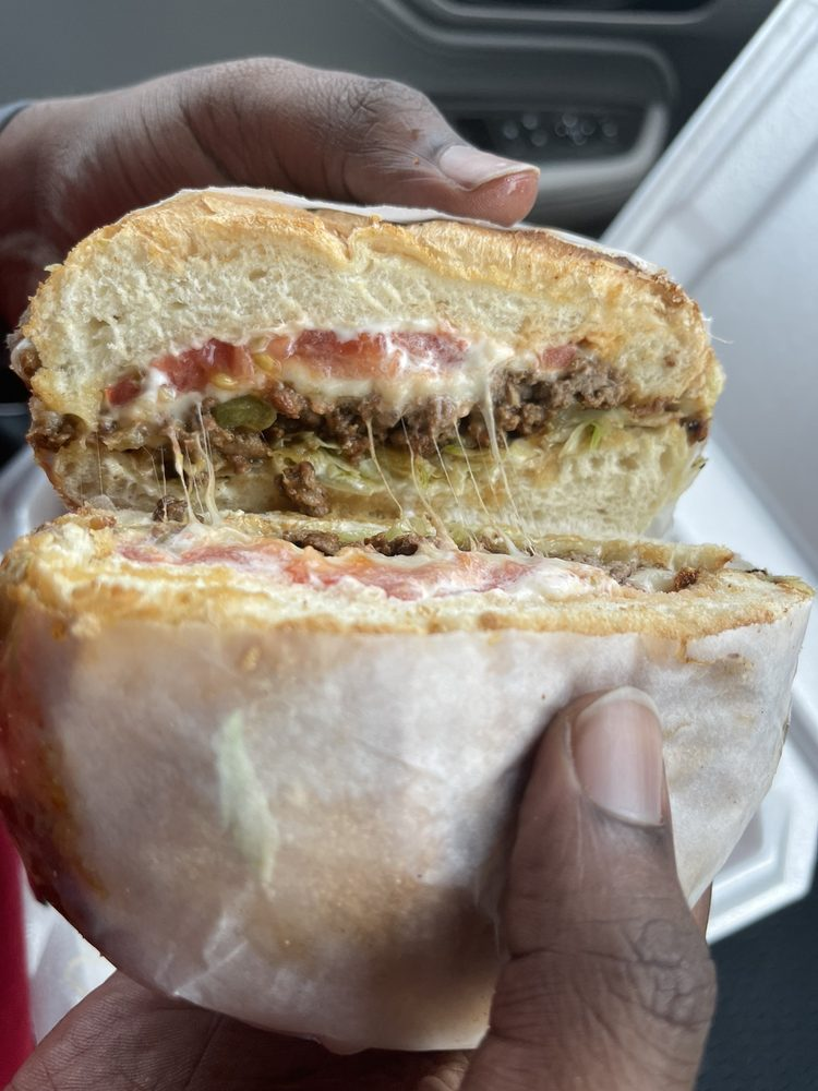 Manhattan Deli And Grill 2: 6428 Camden Rd, Fayetteville, NC
