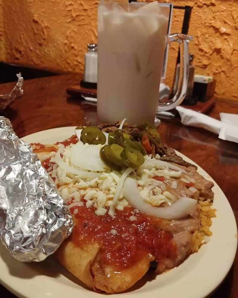 La Fuente Mexican Restaurant - Fayetteville: 1255 Huntsville Hwy, Fayetteville, TN