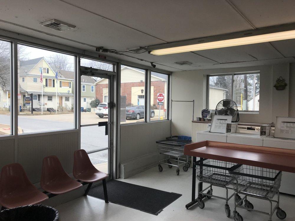 Kennett Launder Center: 130 E Maple St, Kennett Square, PA